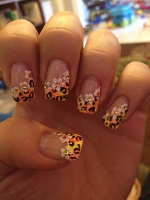 Cheetah nails with flowers