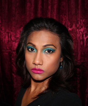 Local shadows from Ambrosia Cosmetics relay the blue shades of the Caribbean sea. Add a bright hot lip to complete the tropic look http://tinyurl.com/dylfre6