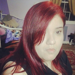 Subtle yet strong red hair! Pretty