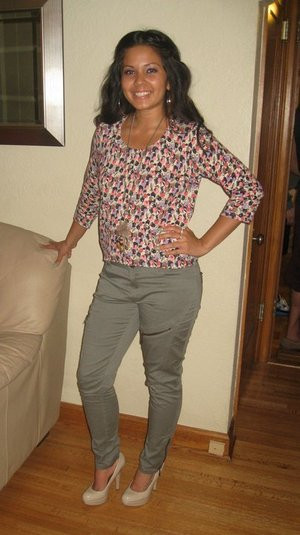 Jeans on sale at Target for $9.00!! Top from H&M, and Guess Pumps
