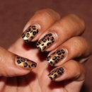 Golden Leopard nails