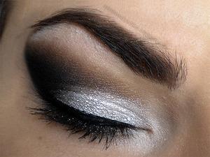 http://missbeautyaddict.blogspot.com/2012/05/make-up-make-over.html