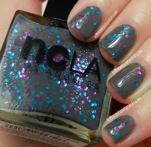 Yummy grey jelly accented by aqua and pink glitter