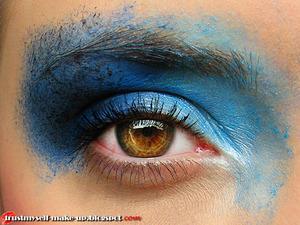 More pictures here: http://trustmyself-make-up.blogspot.com/2012/06/inspired-by-places-zaczynamy-zabawe-z.html
