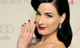 Oval Nails: Old World Glamour or Odd Shape?