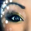 Yellow smokey eye