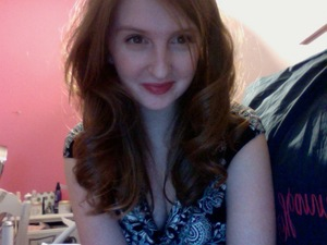 Darker lip and messy curls for a Tony Awards viewing party!