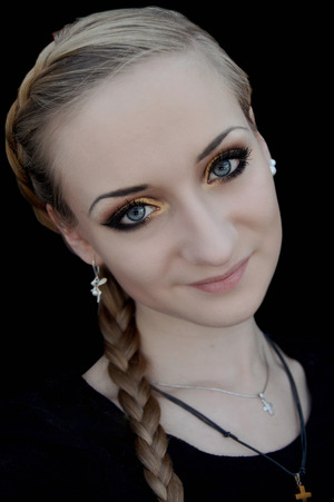 this is my all day look, its easy, quick and nice :) more looks here: https://www.facebook.com/Miss.Morgue1
