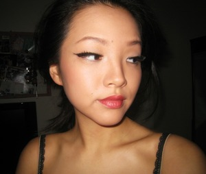 ::dAy 7:: classic winged eyeliner w/ red lips