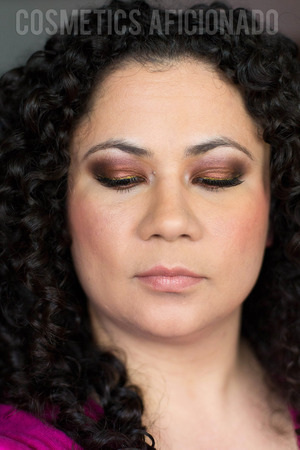http://www.cosmeticsaficionado.com/smoky-eye-friday-fall-look-using-makeup-geek-pigments/