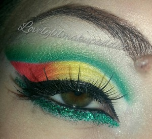 *Inspired by Ceejay* I love to play with my makeup! :))