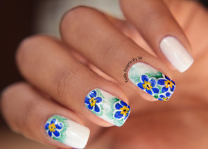 http://estilopropriobysir.com/2015/10/10/unha-decorada-flor-azul/ https://www.facebook.com/EstiloProprioBySir http://instagram.com/sicaramos />  beijos <3