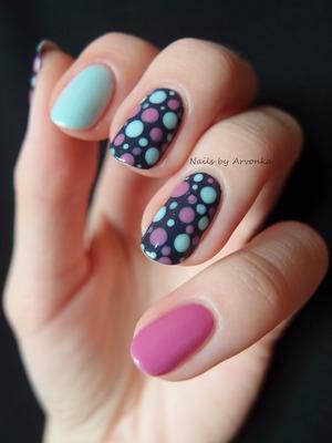http://arvonka-nails.blogspot.sk/2013/10/pastel-dots.html