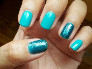 Why is it so hard to capture blues on pictures? This creme and jelly polishes are both from The FACE Shop. They have more green in them IRL.