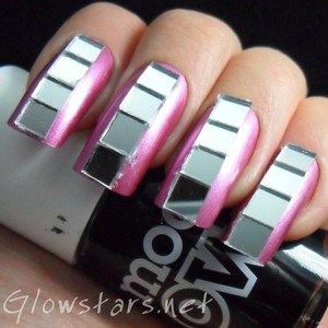 To find out more about this mani visit http://glowstars.net/lacquer-obsession/2012/10/mirrors