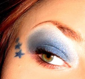 Blue eyeliner stars are the best- :)