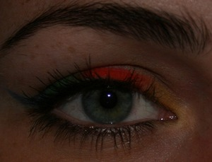 """Just played a little with my new colors! Have been dying to try this """"rainbow eyeliner"""" look since i saw it first here on beautylish :) sorry about my brows, didn´t do them before the photo was taken."""