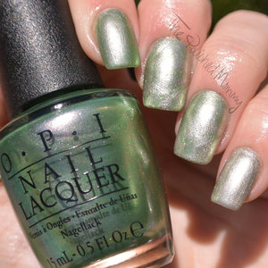 http://www.thepolishedmommy.com/2015/10/opi-coca-cola-duo.html