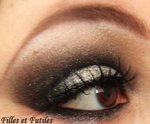 More on : http://www.fillesetfutiles.com/2011/12/maquillage-de-fetes-smoky-paillete-biguine-concours.html