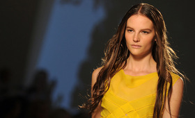 Mermaid Mane: Tips to Achieving the Wet Look