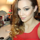 Pin Up hair & smoky eye!