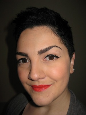I saw this cat eye on the beautiful Kat Von D and I love it <3