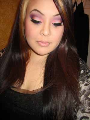http://tinamarieonline.blogspot.com/2011/10/autumn-rose-with-pop-of-glitter-makeup.html