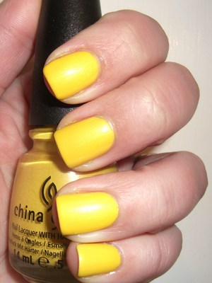 The perfect yellow! China Glaze Sunshine Pop http://polishmeplease.wordpress.com