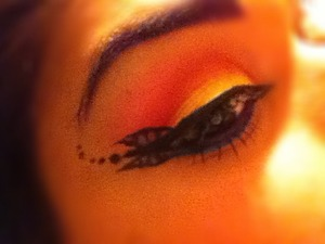 Bad lighting i know :/ but i just wanted to try something different (: