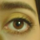 natural golden eyes