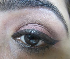 check here for tutorial http://www.srinjla.com/2013/11/30-days-eye-makeup-challenge-day26-step.html#.UngNyaWXvwI