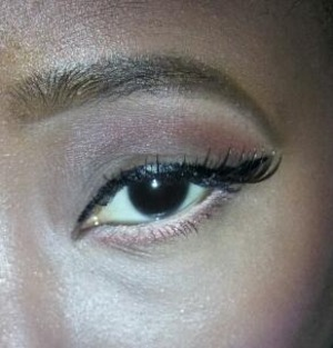 A very soft and subtle eye for night or day. Can be worn with any lippie. Instagram: @lcharm_