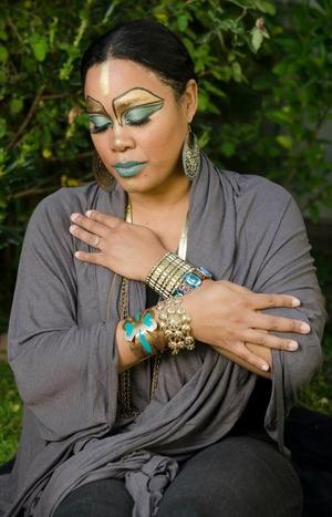 http://leadingladymakeup.com/2012/04/16/my-illamasqua-cleopatra/
