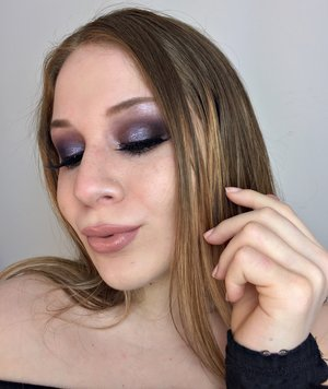 Your classic green and purple with a smokey twist! http://theyeballqueen.blogspot.com/2017/02/smokey-grape-fern-green-makeup-look.html