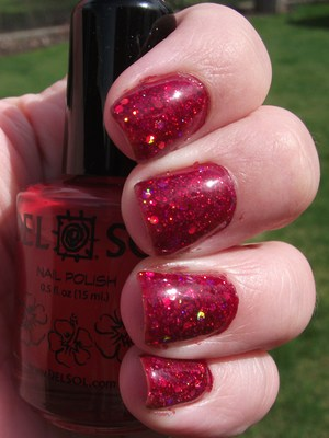 Peek A Boo glitter sandwiched with OPI Servin Up Sparkle :) Sooooo pretty!!!  http://polishmeplease.wordpress.com for details