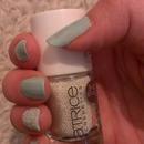 my new nails! i Live caviar nails!!