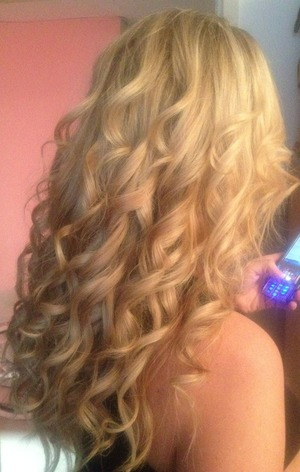 Beautiful sleek 'here for the party' curls
