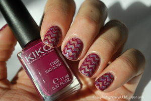http://hkphotography83.blogspot.cz/2016/01/holo-chevron-nails.html