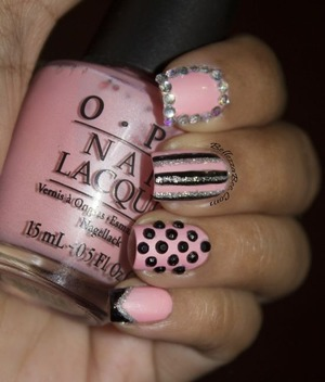 http://www.bellezzabee.com/2013/07/mix-match-manicure-for-busy-girl-nails.html