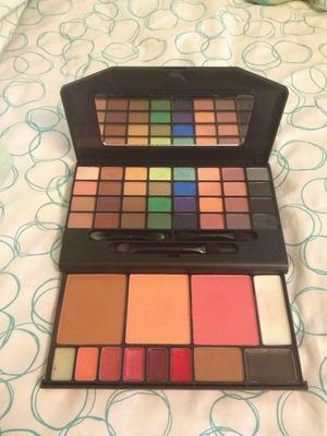 e.l.f. 47 piece beauty clutch set! How do I use the lip colors?