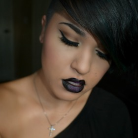Vampy/Goth Look