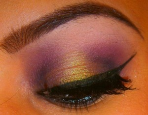 http://smokincolour.blogspot.com/2013/04/oh-whats-that-another-purple-smokey-eye.html