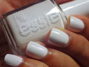 Can't resist some white color on my nails!