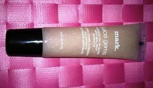 mark Juice Gems Flavored high-shine gloss. (All lip glosses go on sheer) Flavor: Honeydew