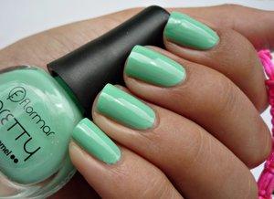 http://malykoutekkrasy.blogspot.cz/2014/08/flormar-pretty-nail-enamel-p22-p29.html#more