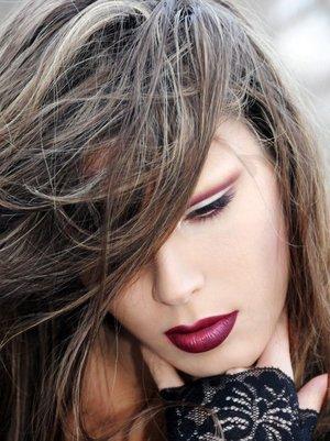 Model : Nina L. Makeup & photo by me