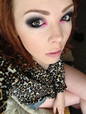 A bog standard black and white smokey eye with a dab of pink on the inner corners :) scuse the pj top!