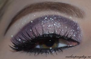 False Eyelashes: Ardell Enchanting Mascara: Diorshow blackout Eyeliner pen: H&M black Eyeliner: Isadora black Eyeshadow: Isadora: Northern lights