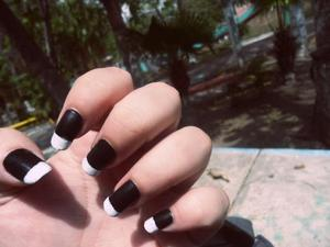 Bill Kaulitz inspired nails.