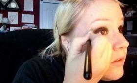 Black Smokey Eye(vampire/goth look)